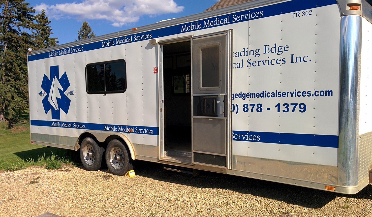 Onsite medical trailers for onsite treatment at a construction project in Canada.